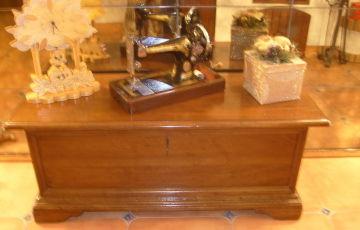 Piccoli mobili in legno